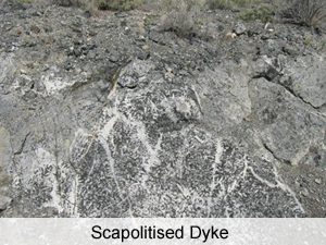 Geology - Scapolitised Dyke